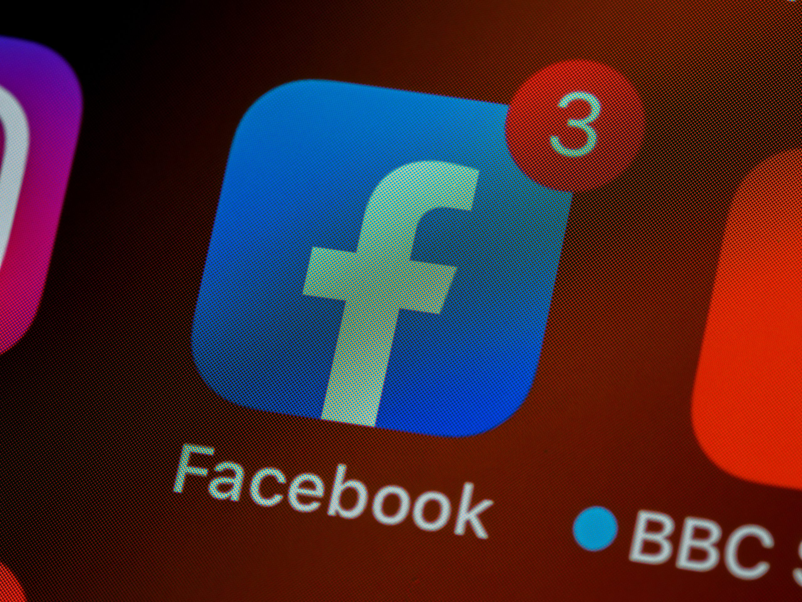 How to Use Facebook to Drive Web Traffic to Your Website?